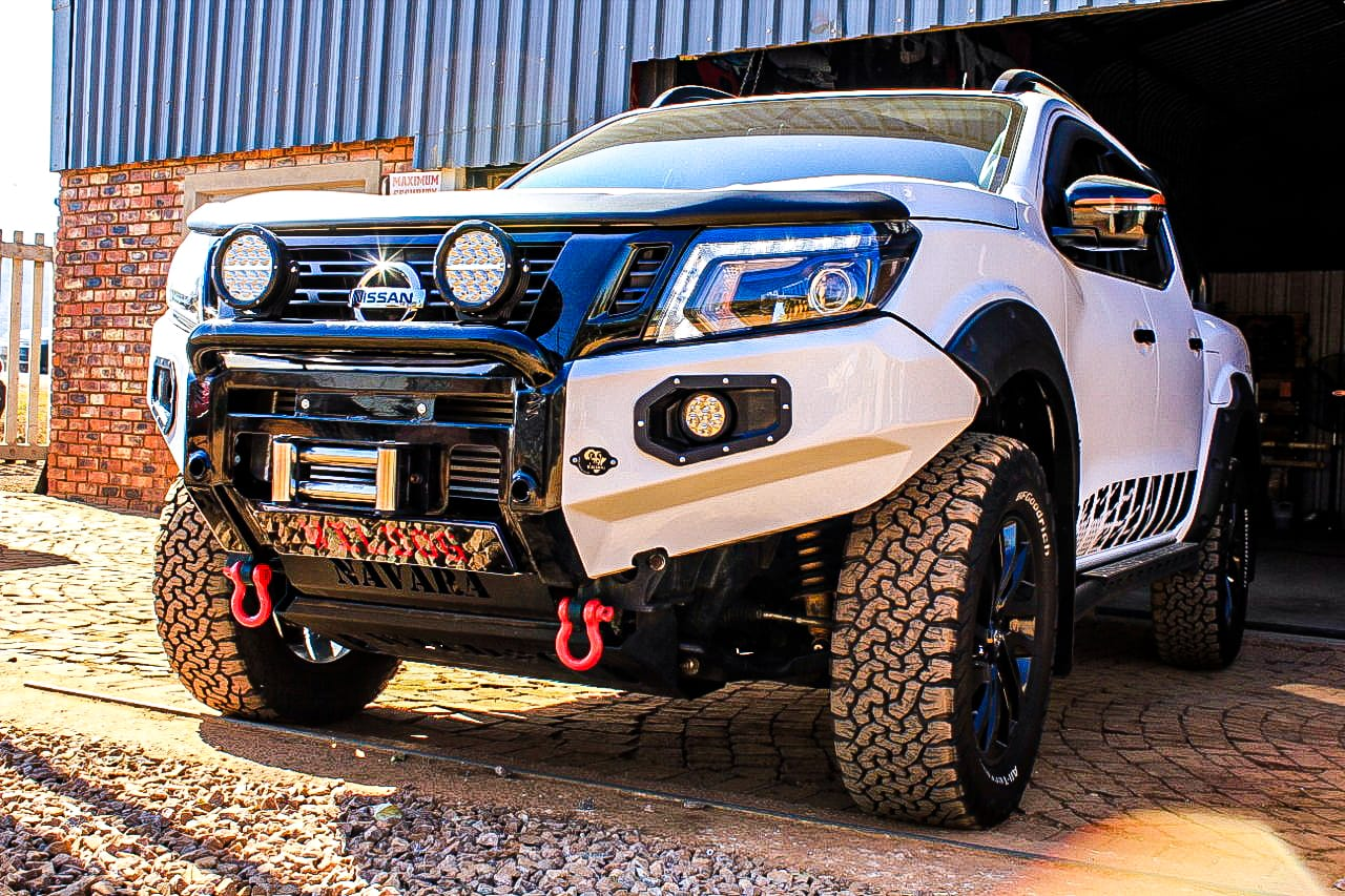 front-replacement-bumper-navara-2017--color-matched-with-nudge