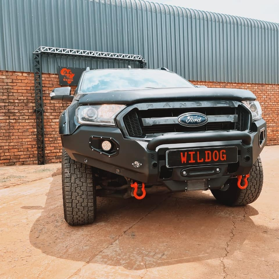 front-replacement-bumper-k9-ford-facelift-black-with-nudge