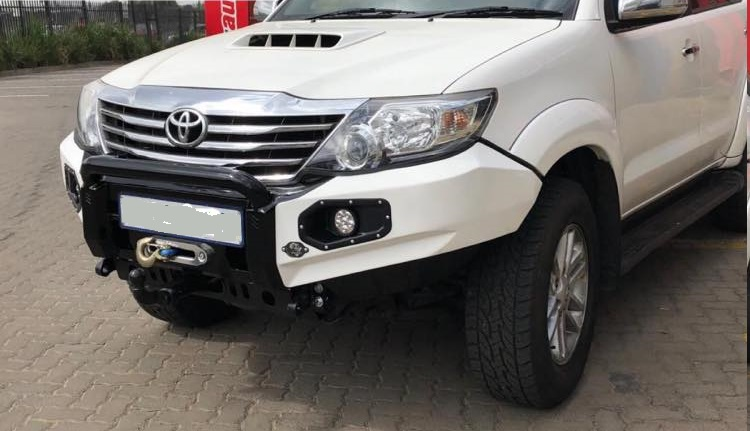front-replacement-bumper-k9-fortuner-2011-2015-color-matched-with-nudge