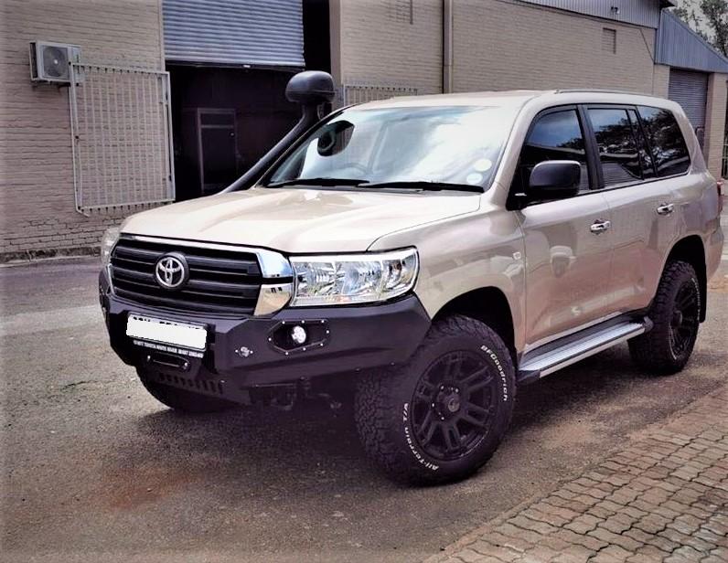 front-replacement-bumper-lc200-vx-face-lift-black