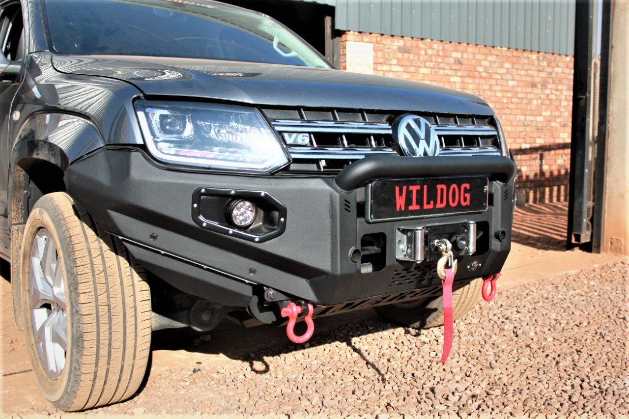 front-replacement-bumper-amarok-black-with-nudge