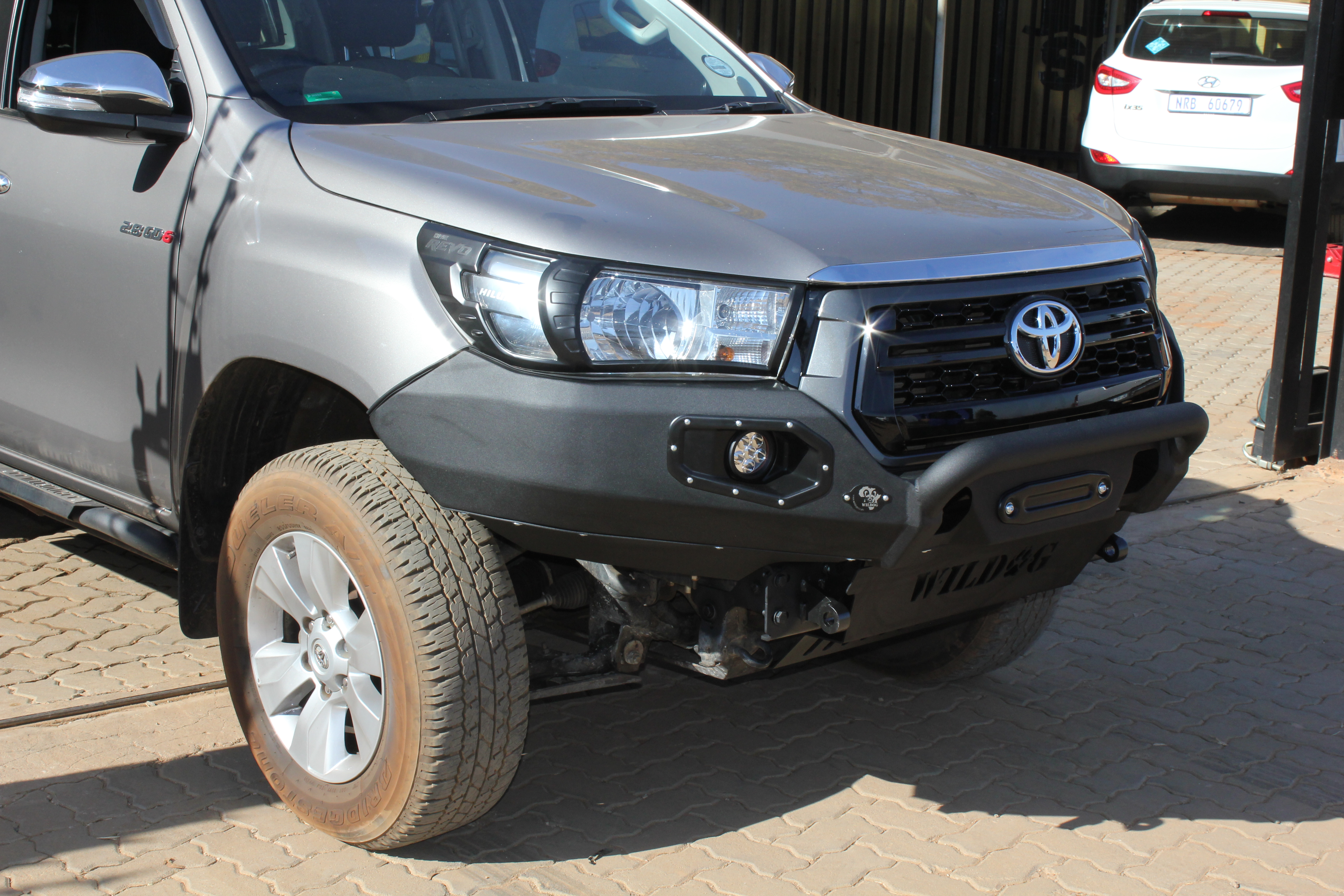 front-replacement-bumper-k9-hilux-roccodakar-black-with-nudge